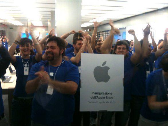 Apertura nuovo apple store a roma - Apertura porta di roma ...