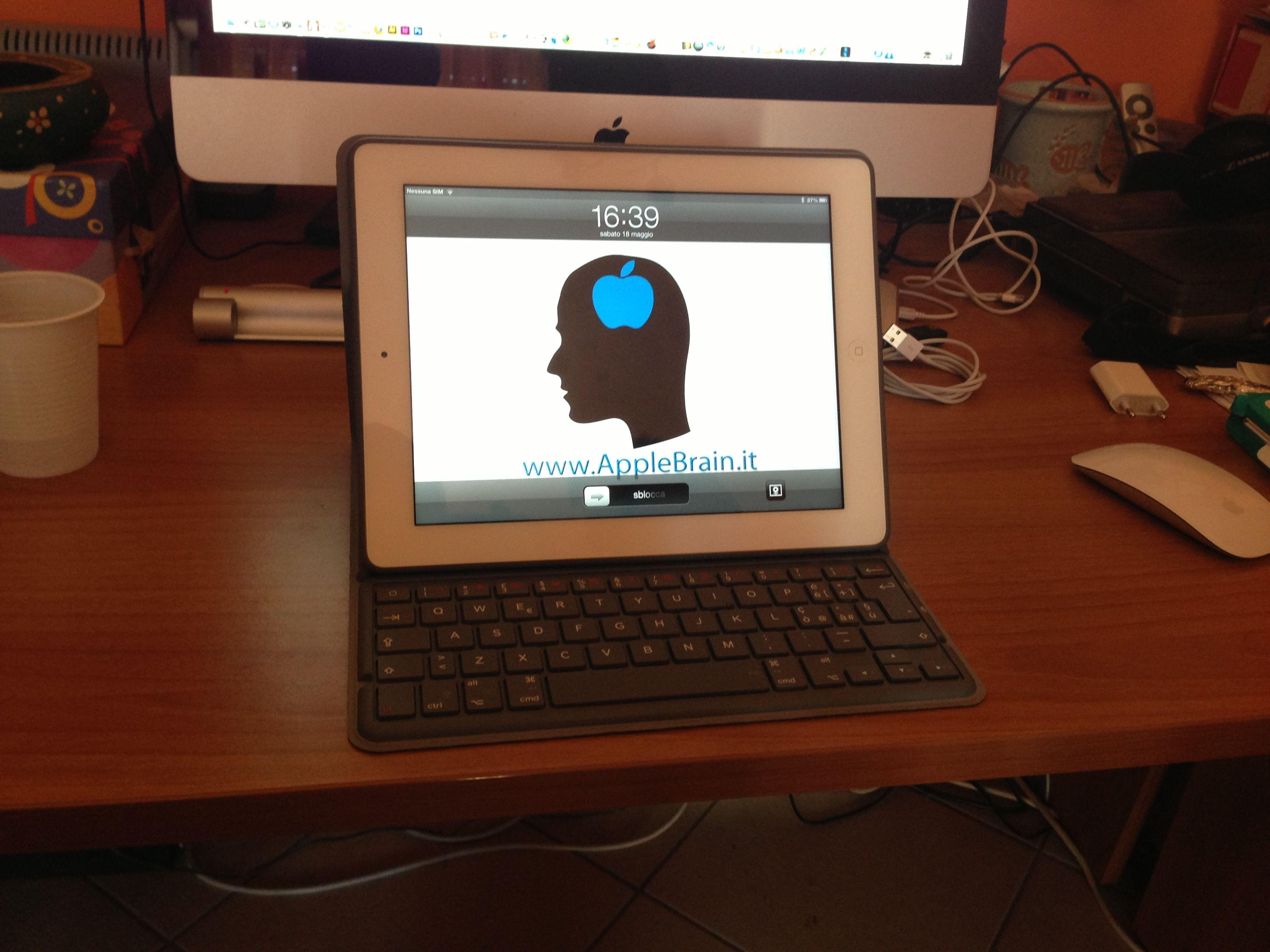 tastiera Logitech Solar Keyboard Folio