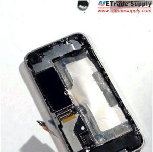 Install-the-metal-shield-of-iPhone-4