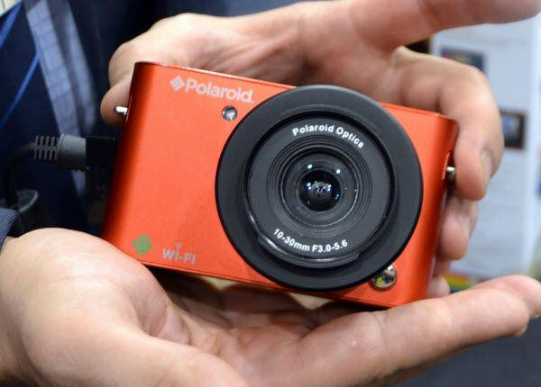 Polaroid iM1836 red
