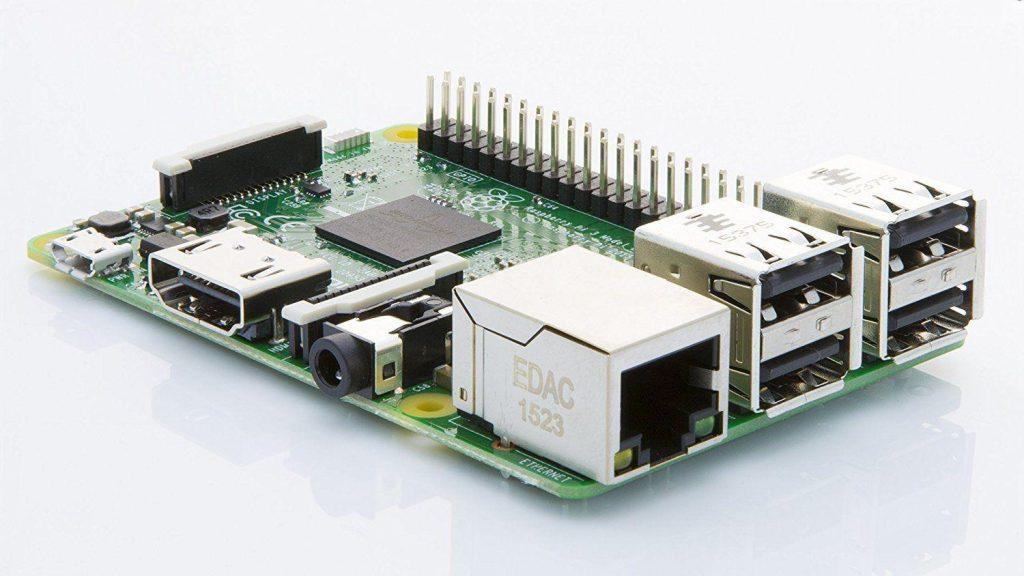 Rispetto alla precedente versione, il Raspberry Pi 3 Model B porta miglioramenti per quanto riguarda CPU e connettività wireless.