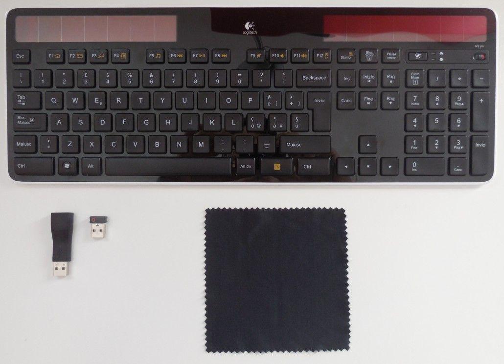 logitech k750 contenuto confezione