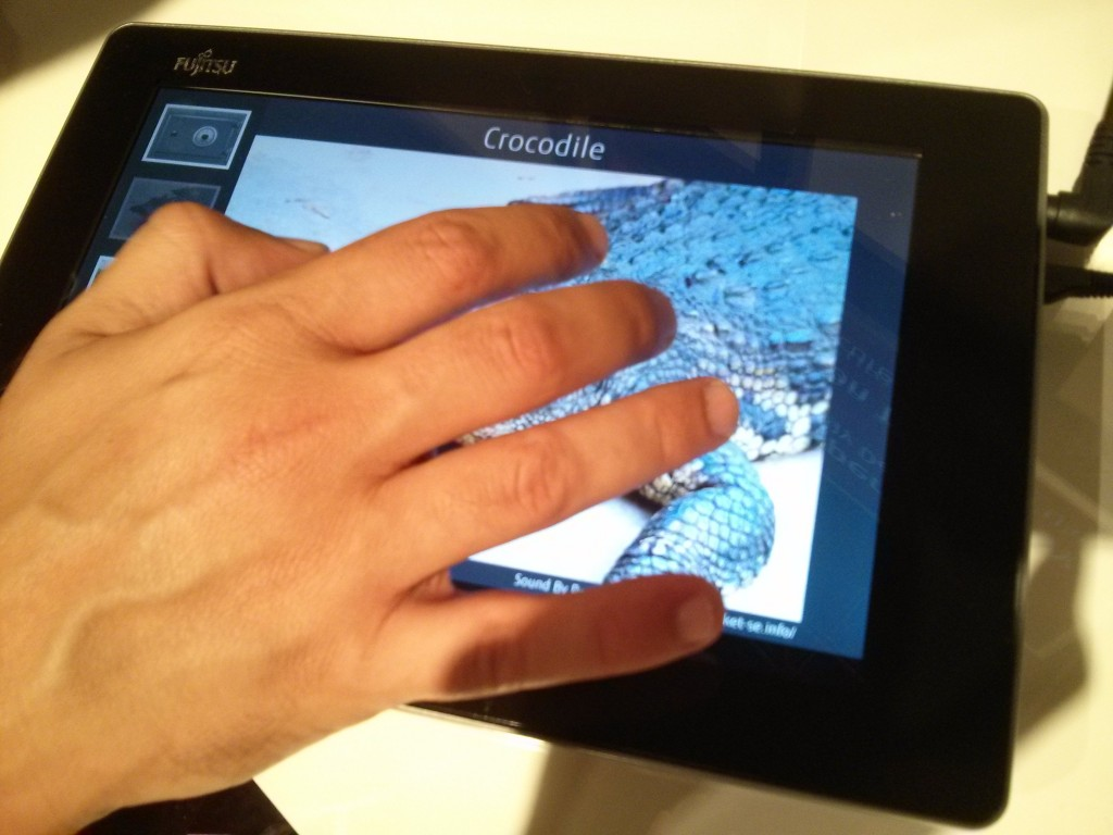 haptic sensory tablet coccodrillo