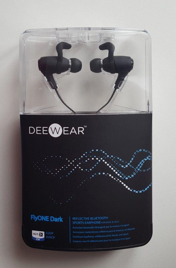 DeeWear FlyONE Dark  la recensione di OutOfBit d7590f5ecad9