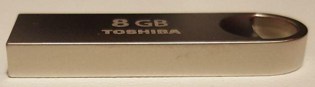 Toshiba flash drive USB Owahri lato