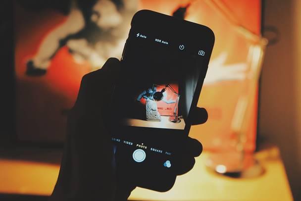 come nascondere foto su iPhone e iPad iOS 9