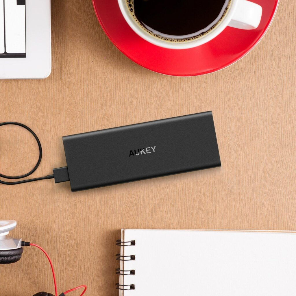 aukey-caricabatteria-portatile-ultra-sottile-pb-n32-it