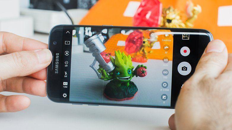 Come scattare rapidamente foto su Galaxy S7
