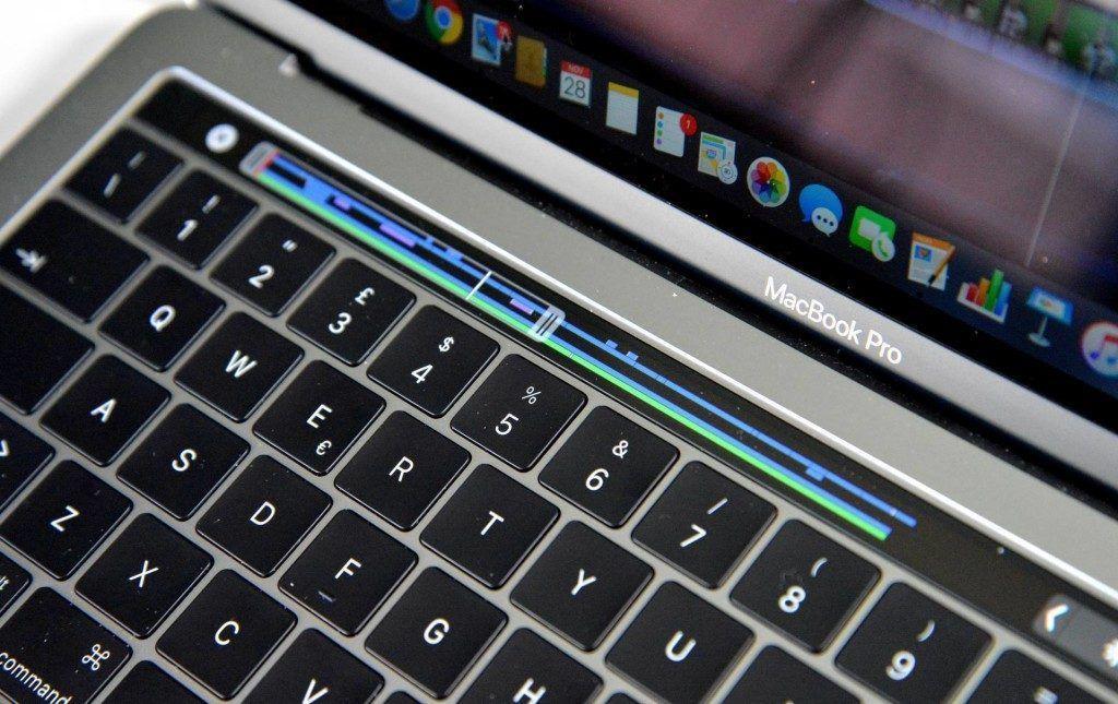 macbook pro late 2016 touchbar - recensione- touchbar 2