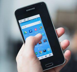 Come controllare il Galaxy S7 con una sola mano