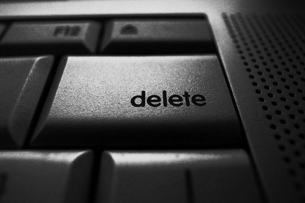 Volete eliminare un account utente sul vostro PC ma non sapete come fare? Questa guida, valevole per Windows 7, 8 e 10, fa al al caso vostro!