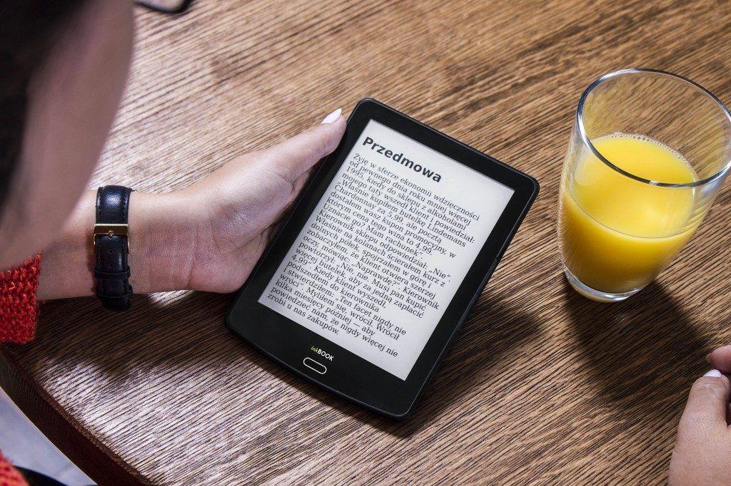 10 migliori ebook reader - inkBook Classic 2