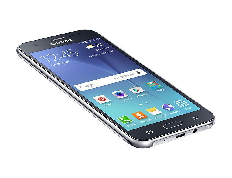 Come personalizzare le impostazioni rapide nel Pannello di notifica su Galaxy J5