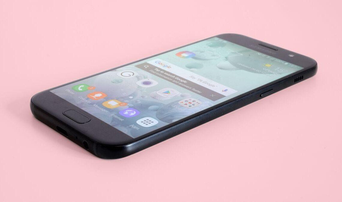 Il Samsung Galaxy A5 è uno degli ultimi smartphone Android della fascia media. Come si comporta nella vita di tutti i giorni? Scopriamolo in questa recensione!