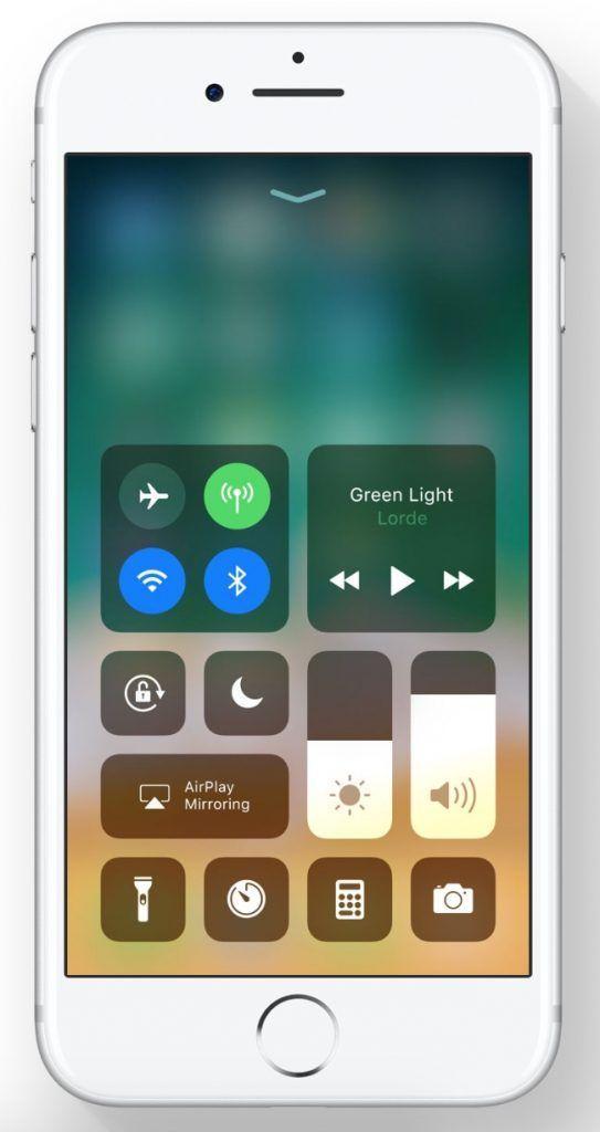 Il centro di controllo in iOS 11 viene nuovamente rivisitato: si avranno tutti i controlli in un'unica schermata.