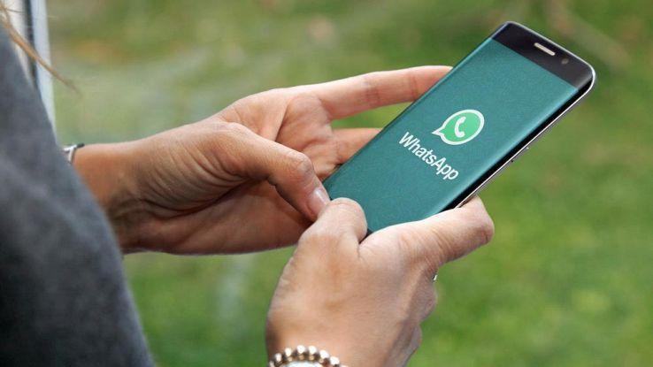 WhatsApp: come trasformare i messaggi vocali in testo