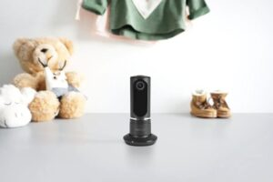 Sitecom Camera è una videocamera di sorveglianza a 360 gradi in grado di eseguire autonomamente l'upload delle registrazioni su Google Drive