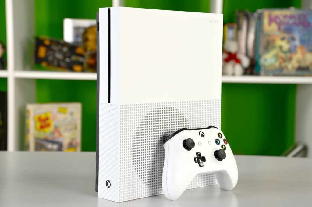 Xbox One X, su Amazon presente una versione Day One Edition