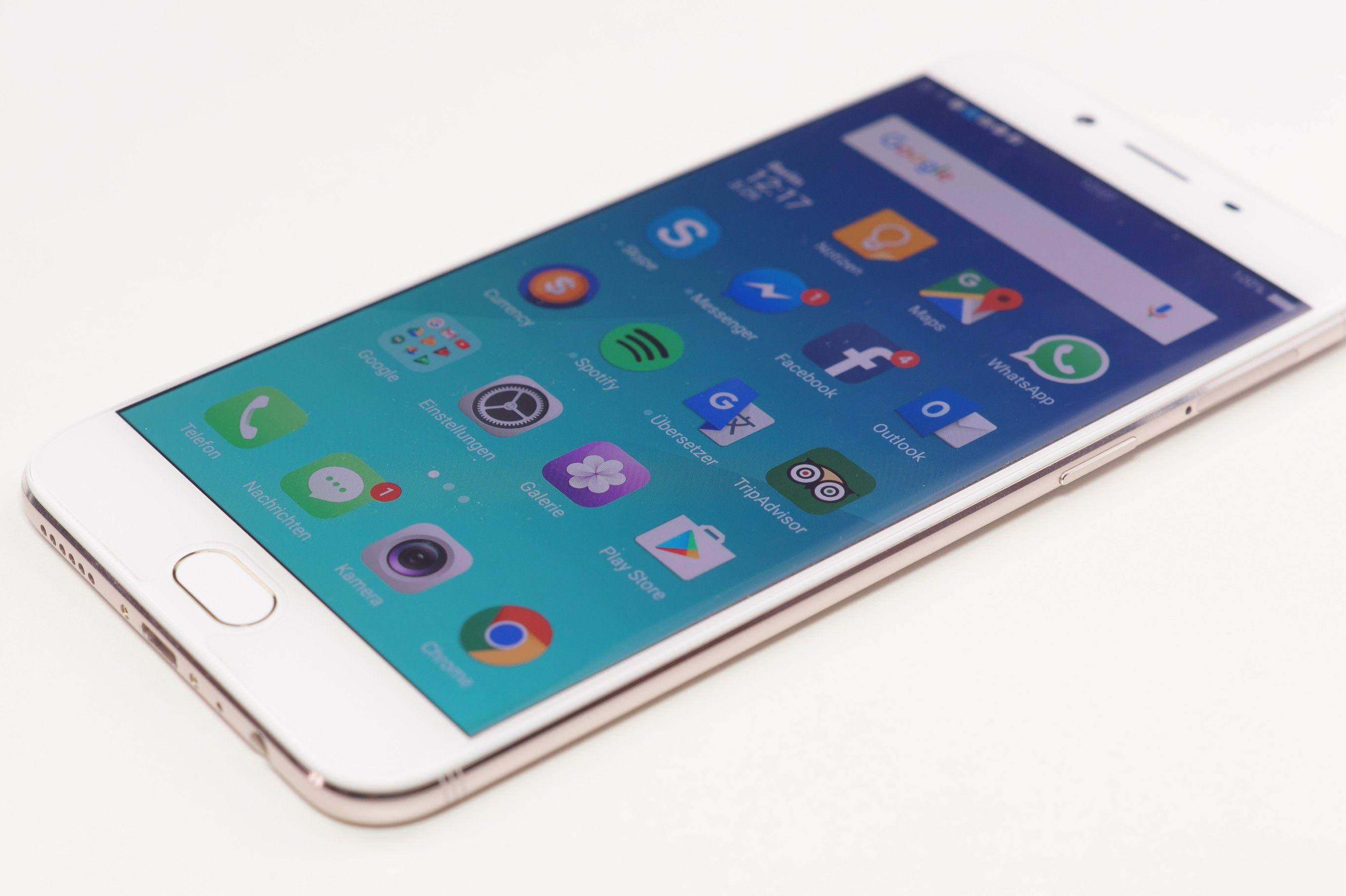 Oppo R9S - fronte