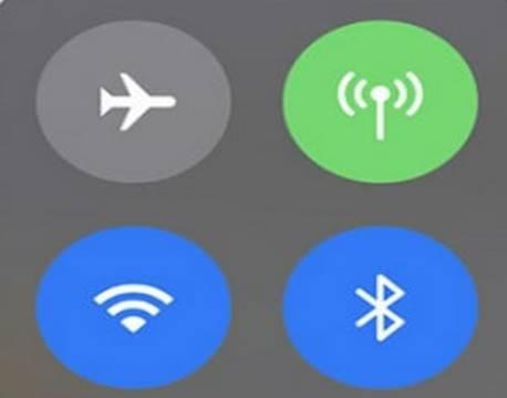 iOS 11 guida, come disattivare wi-fi e Bluetooth su iPhone