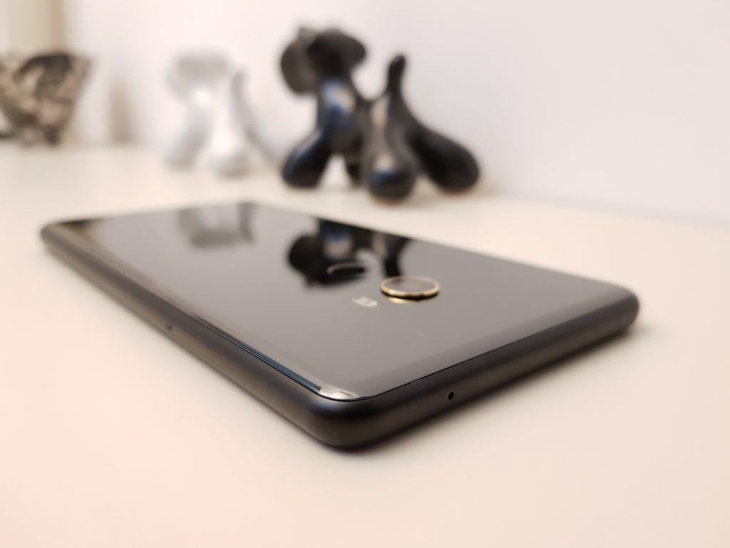 Xiaomi Mi MIX 2 retro 3