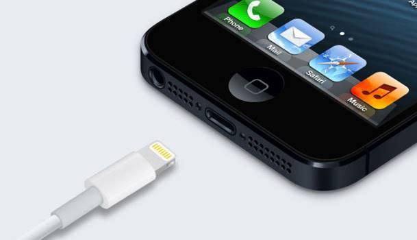 iPhone non carica porta Lightning sporca polvere