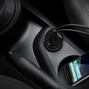 aukey - caricatore da auto da 33W con porta USB e porta USB C - in auto