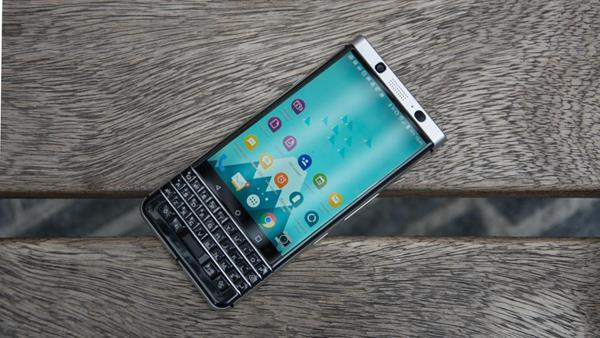 Smartphone per la sicurezza: Blackberry KEYone
