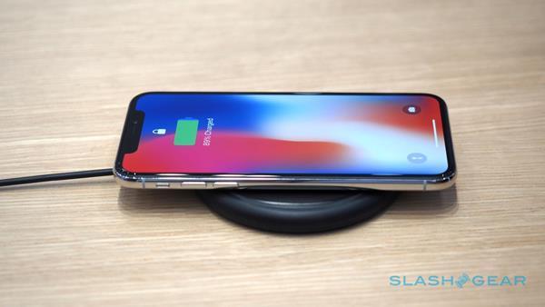 Ricaricare iPhone 8 con la tecnologia IQ