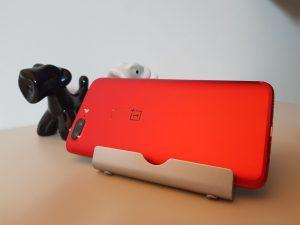 Recensione OnePlus 5T Lava Red rosso