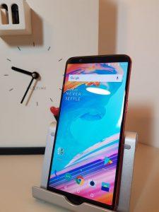 Recensione OnePlus 5T Lava Red schermo