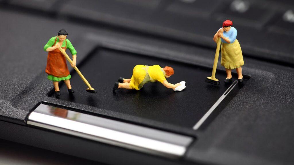 come pulire lo smartphone - pulizia