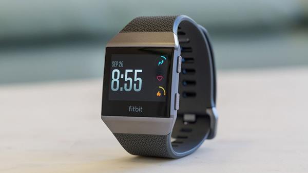 Migliori smartwatch da uomo: Fitbit Ionic