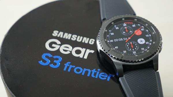 Migliori smartwatch da uomo: Samsung Gear S3 Frontier