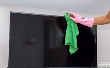 come pulire la tv senza aloni