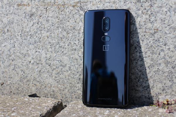 Recensione OnePlus 6: design