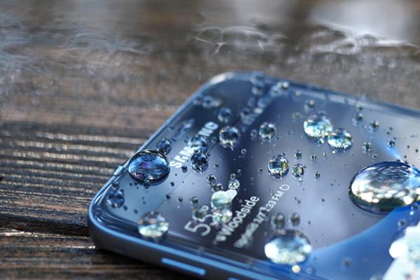 Livello impermeabilità smartphone