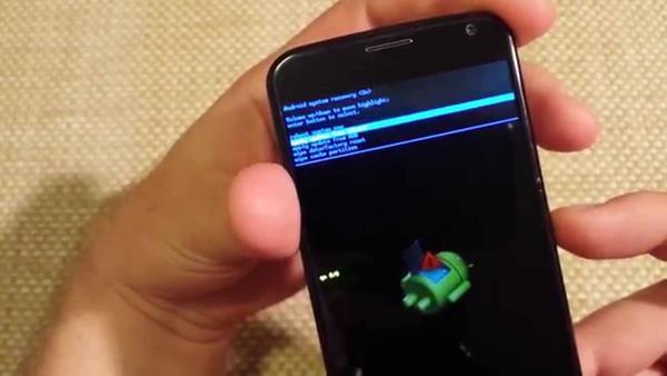 Formattare Motorola Moto X4