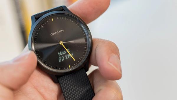 Migliori smartwatch ibridi: Garmin Vivomove HR