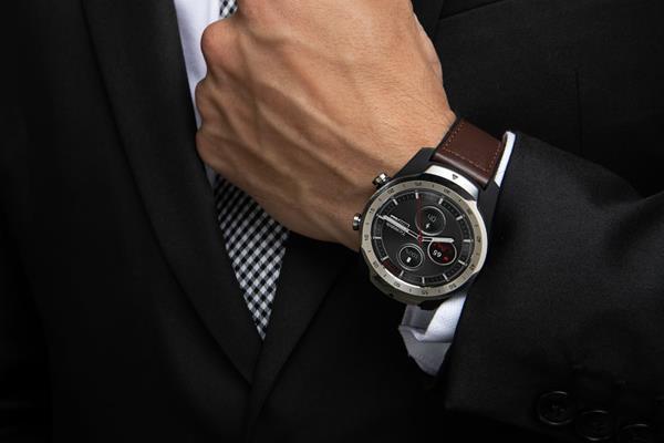 Migliori smartwatch ibridi: Ticwatch PRO