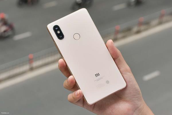 Confronto Xiaomi Mi 8: Caratteristiche tecniche