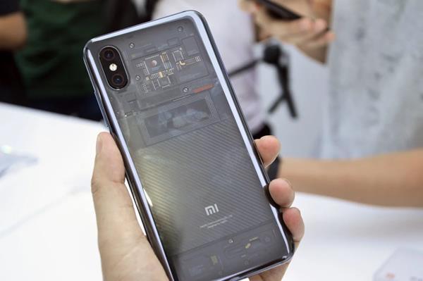 Confronto Xiaomi Mi 8: Foto e video