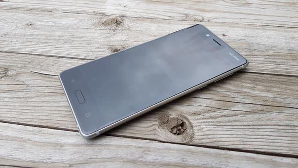 Design Nokia 8