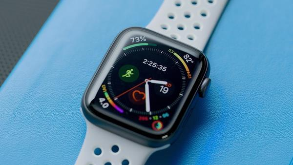 Migliori smartwatch per Apple: Apple Watch Series 4