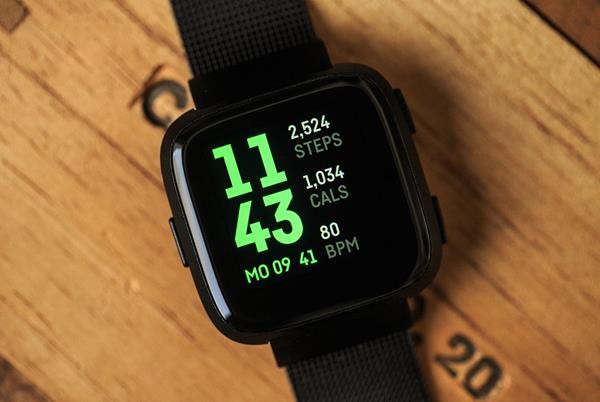 Migliori orologi per runner del 2018: Fitbit Versa