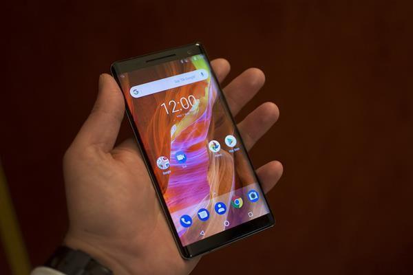 Migliori smartphone con Android One: Nokia 8 Sirocco