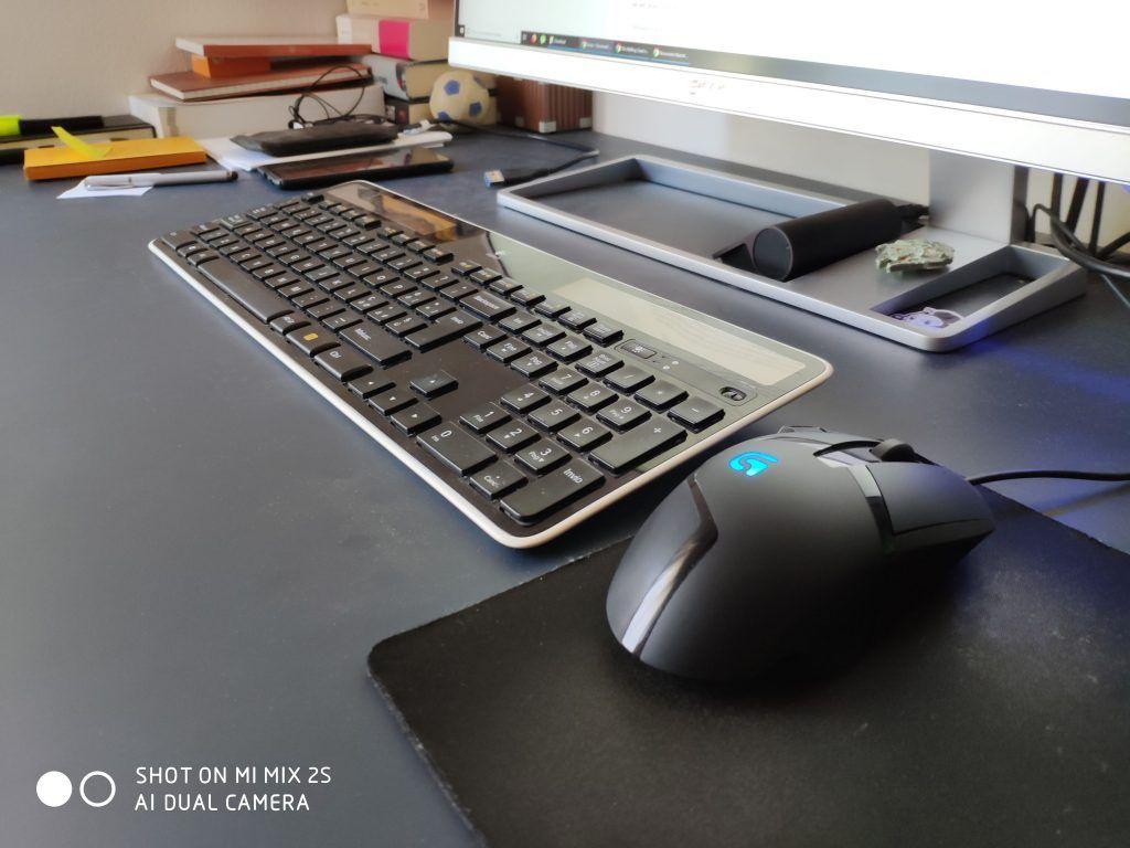 Recensione Xiaomi Mi Mix 2S foto scrivania