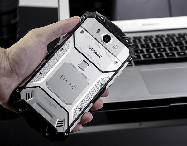 Migliori rugged smartphone: DOOGEE S60