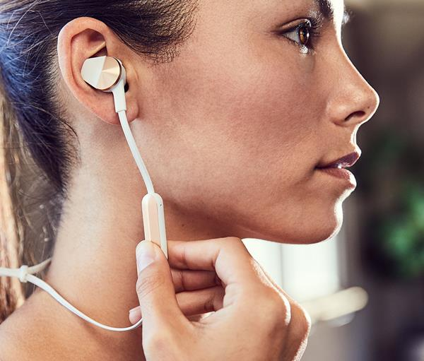 Migliori auricolari senza fili: Fitbit Flyer