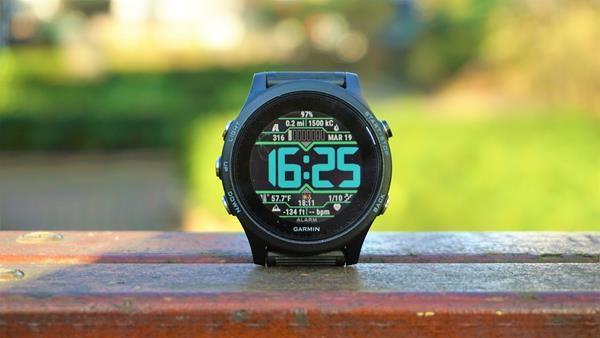Migliori smartwatch Garmin: Garmin Forerunner 93